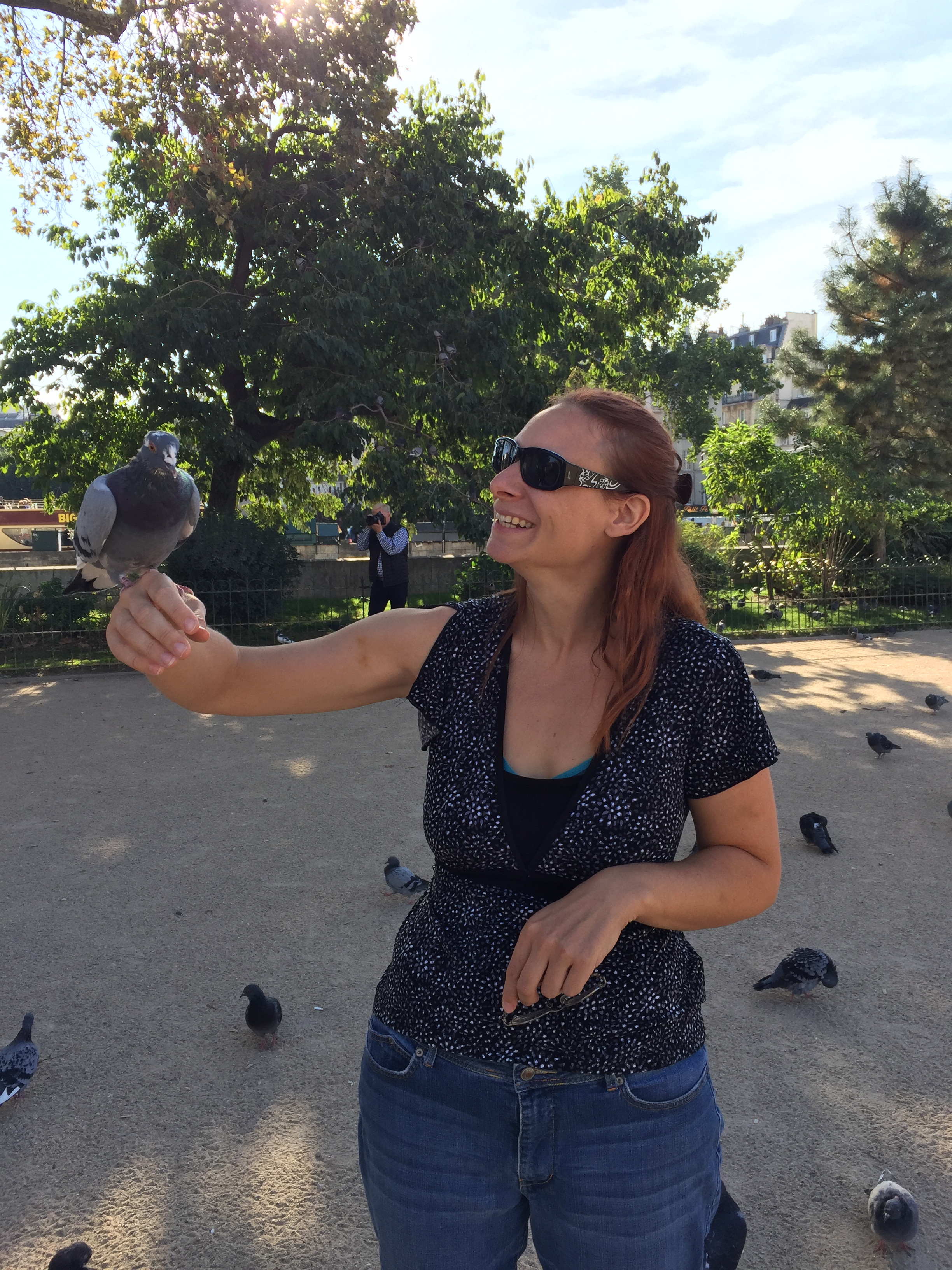 Victoria with Pigeon in France